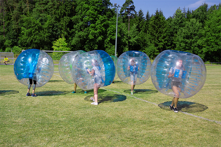 Arrow Game und Bubble Soccer